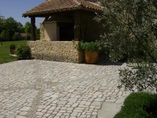 Pavés pierre dure de Dordogne format gavroche épaisseur 6 cm