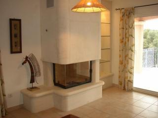 cheminée modèle NANTES avec foyer fermé