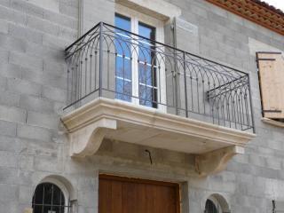 Balcon sur corbeau dimension 300 x 100