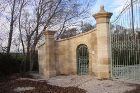 Fabrication de piliers de portail en pierre