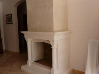 cheminée modèle BERRY avec foyer ouvert