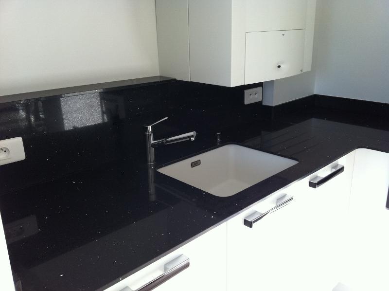 plan de travail en silestone plan de travail cuisine n mes. Black Bedroom Furniture Sets. Home Design Ideas
