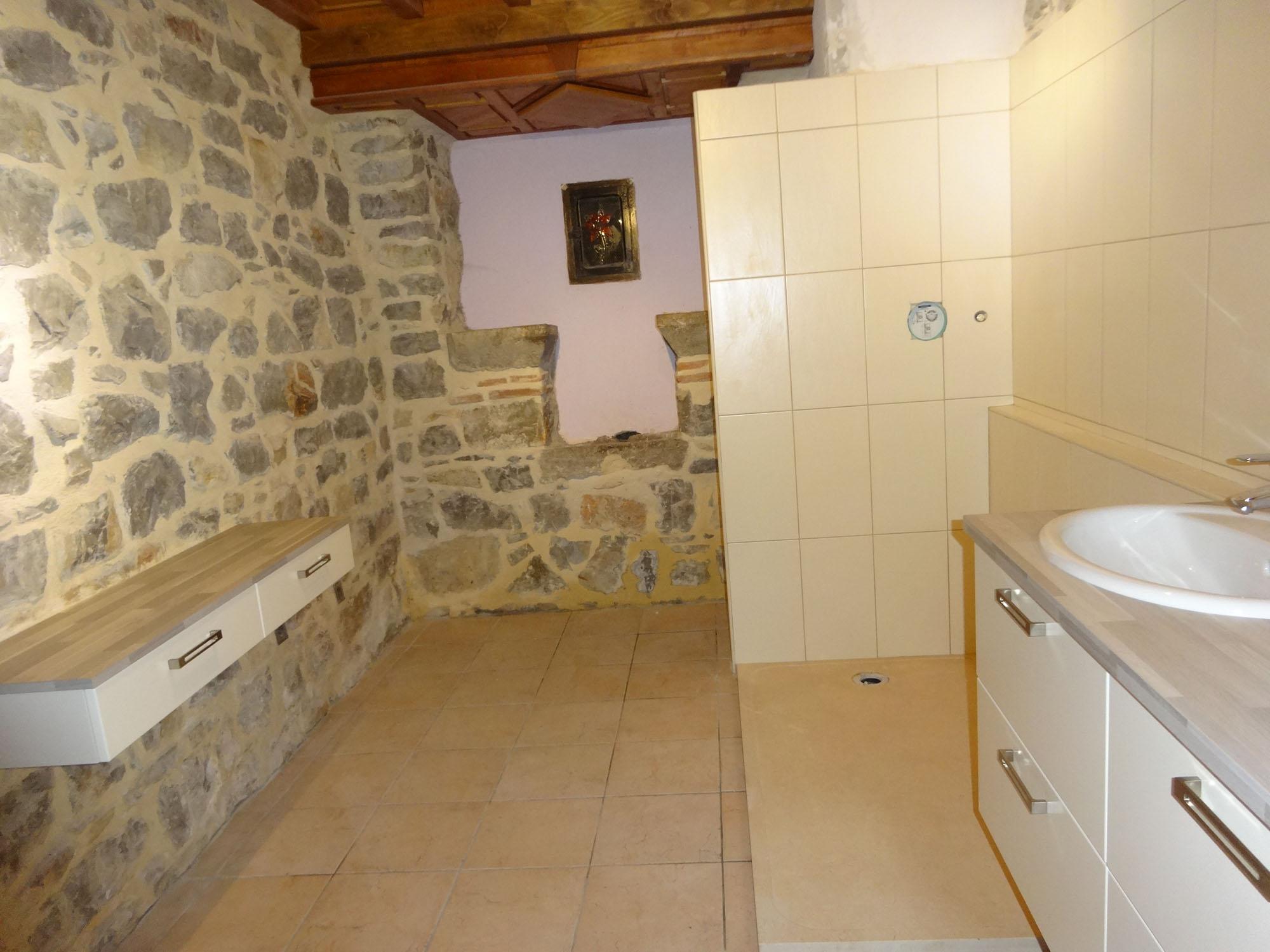 Salle de bain en longueur plan avec des for Salle de bain longueur